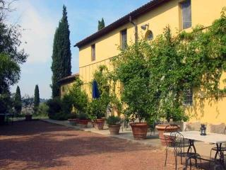 Villa Girasole holiday rental villa pisa tuscany  - Vacation villa to rent near - Lorenzana vacation rentals
