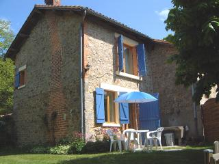 Maison Lavaud, Self catering accommodation in the - Cieux vacation rentals