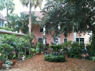 Bright & Beautiful Garden Setting in Historic Home on Lake Worth/Intracoastal - Palm Beach vacation rentals