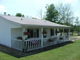 The Hearts Delight B&B Cottage, at a great cost ! - Ohio vacation rentals