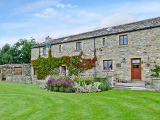 GARDALE HOUSE, en-suite facilities, WiFi, games room, outdoors play area, large cottage near Wigglesworth, Ref. 28039 - Ribchester vacation rentals