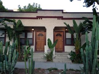 Cozy duplex in West Hollywood? Los Angeles - West Hollywood vacation rentals