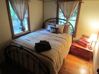 Creekside Cabin right on the Creek - Shenandoah Valley vacation rentals