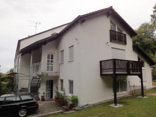Vacation Apartment in Kaiserslautern - 807 sqft, new, quiet, on the edge of the woods (# 4294) - Kaiserslautern vacation rentals