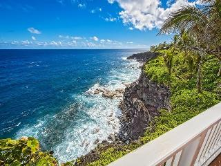 Oceanfront  Beach House  w/ Pool and Spa! - Pahoa vacation rentals
