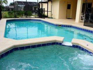 Luxury 4 Bedroom Villa with disabled facilities - Davenport vacation rentals