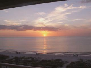 Gorgeous Oceanside Penthouse 2bd/2ba Corner unit! - Indian Rocks Beach vacation rentals