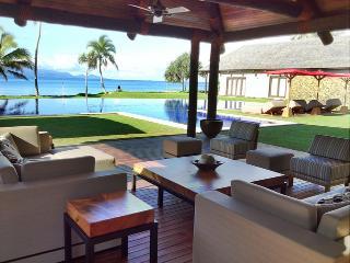 Bright 5 bedroom Villa in Pacific Harbour - Pacific Harbour vacation rentals