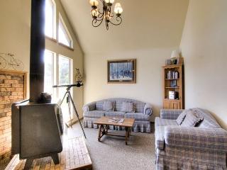 TREE HOUSE - Taos Area vacation rentals