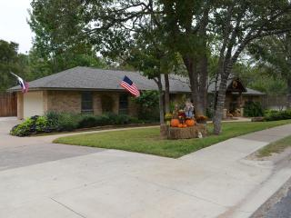 3 bedroom House with Deck in College Station - College Station vacation rentals