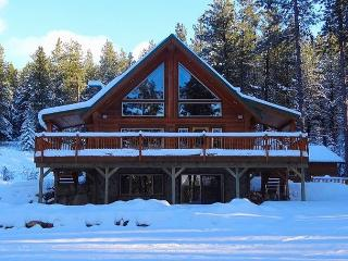 Fall-Winter Specials! Picturesque Log Cabin on 5 Private Acres!  5BR|Hot Tub! - Cle Elum vacation rentals