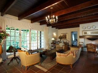 Perfect Bed and Breakfast with Internet Access and Mountain Views - Stellenbosch vacation rentals