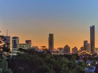City Vista in Vibrant Central Hawthorne Bulimba - Brisbane vacation rentals