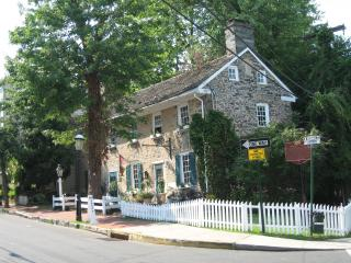 Oldest Stone Home in New Hope, built 1743 - Greater Philadelphia Area vacation rentals