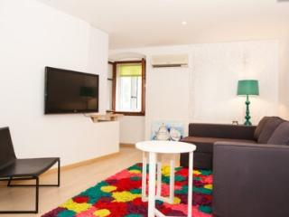 a modern studio apartment in Cres, Croatia - Cres vacation rentals