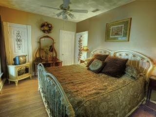 Garden Cottage at the Pomegranate House & Cottages Bed & Breakfast - Granbury vacation rentals
