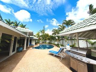 5BR Great Kahala Home,Pool,Tiki Bar,Near Beach - Kahala vacation rentals