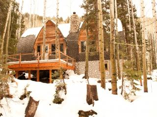 Blanche's Retreat - Secluded, private cabin - Brighton vacation rentals