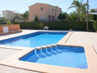 Cozy House with Washing Machine and Shared Outdoor Pool - Calpe vacation rentals