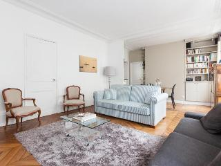 onefinestay - Rue de la Tour apartment - Paris vacation rentals