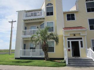 Come enjoy the ALL NEW Gulf Front Getaway, just steps from the beach! - Corpus Christi vacation rentals