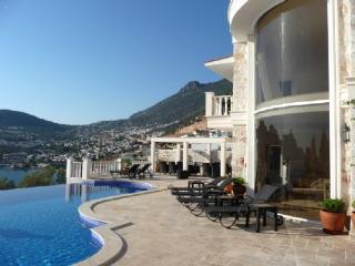 Spacious 6 bedroom Villa in Kalkan - Kalkan vacation rentals