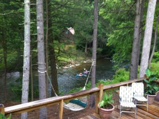 Rock Creek Retreat Overlooking The Toccoa River!!! - Suches vacation rentals