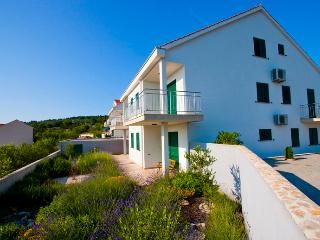 Apartment Naoimi - Cove Makarac (Milna) vacation rentals