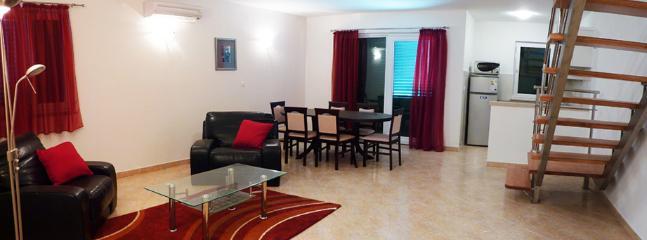 Apartment Aoife - Image 1 - Cove Makarac (Milna) - rentals