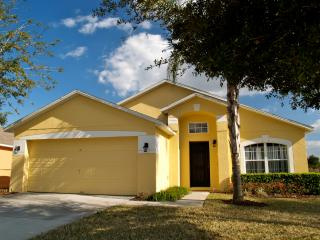 Luxury 5 Bedroom Villa, Private pool and spa - Clermont vacation rentals