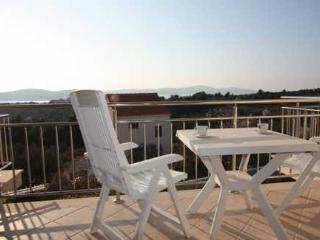 Lovely 2 bedroom Apartment in Cove Makarac (Milna) - Cove Makarac (Milna) vacation rentals