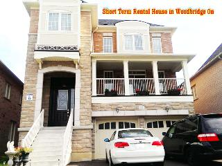 Star Hotel Quality Short-Term Full House n Toronto - Toronto vacation rentals
