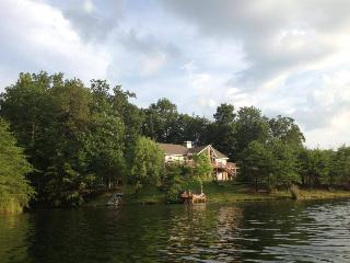 Perfect House with Deck and Internet Access - Chattanooga vacation rentals