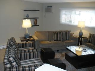 Long Beach owner's unit.  6 blocks to beach. All just totally redone..new everything - Long Beach vacation rentals