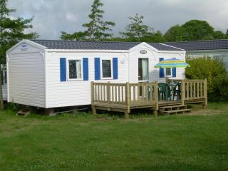Quality Mobile Home to rent in Benodet, Finistere  Coastal south west Brittany. - Benodet vacation rentals