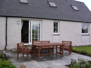 Lovely Cottage with Dishwasher and Washing Machine - North Kessock vacation rentals