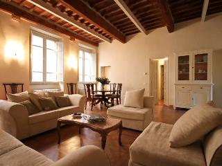 Luxury Apartment Perfectly Located in Lucca - Balbano vacation rentals