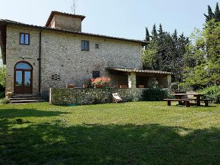 Cosy apartment in Chianti area , with pool - San Casciano in Val di Pesa vacation rentals