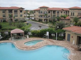 Luxurious apartment, 2 bed, 2 bath in Bella Piazza - Disney vacation rentals