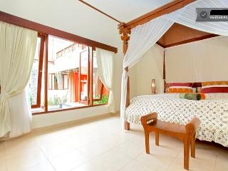 Lotus Villa with 6 bedrooms & swimming pool! - Sanur vacation rentals