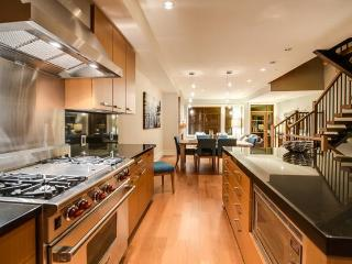 Whistler Ideal Accommodations :Deluxe 4 bdrm plus media room - Whistler vacation rentals