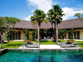 Villa Palma 4 Bedroom Near Seminyak close to Beach - Seminyak vacation rentals
