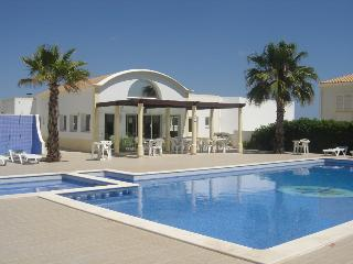 Lovely flat walking distance to the beach - Albufeira vacation rentals