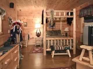 Dreamcatcher Suite - Bedroom - Misty Mountain Ranch B&B - Dreamcatcher Suite - Maggie Valley - rentals