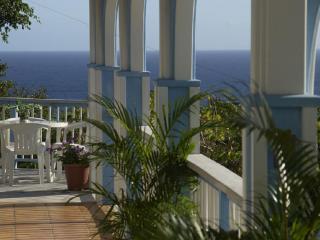 Starshine Villa-Traditional Style 3 Bed/3 Bath, Pool, Hot Tub, and Sunset Views! - Cruz Bay vacation rentals