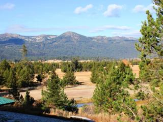 Island Ranch Vacation Retreat:  Solitude Amid Unlimited Recreation - Cascade vacation rentals