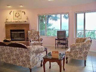 NC Mountain Rental Round House- 1 bedroom - Burnsville vacation rentals