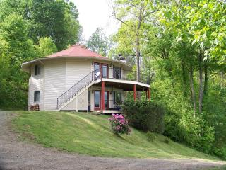NC Mountain Rental Round House- 2 bedroom - Burnsville vacation rentals