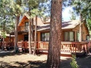 Fenced yard, Large cozy cabin, Chefs kitchen --- l - Big Bear and Inland Empire vacation rentals