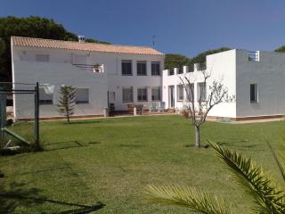 Chiclana Golf Chalet - Chiclana de la Frontera vacation rentals